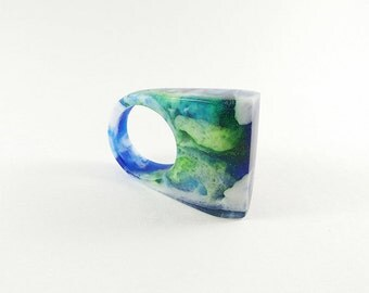 Blue green resin ring