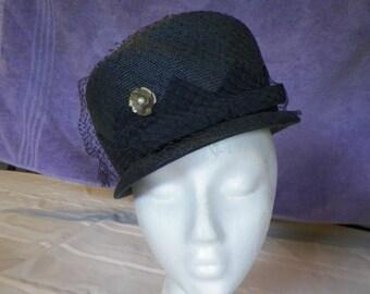 Vintage Black Straw Hat Ladies w/Veil and Vintage Pin Good Condition
