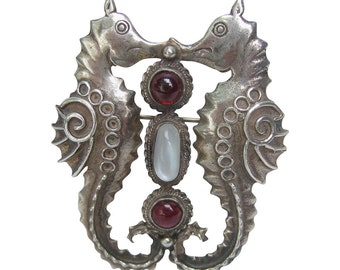 Sterling Sea Horse Cabochon Brooch. 1970's.