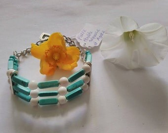 Semi-precious stone Bracelet: TURQUOISE and white, very nice AGATE stone