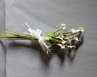"""Calla lilly mini boquet on 4"""" stems.OOAK."""