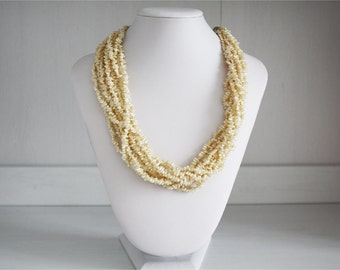 Multiwire vintage necklace in white beads lightweight