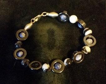 capture bead bracelet