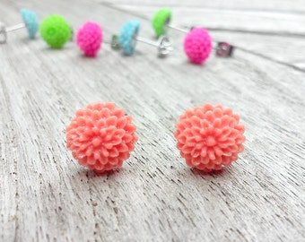 Flower earrings // Resin flower earrings // Stud Flower Earrings // Mum Earrings // Coral Earrings // Flower Stud Earrings // Gift for her