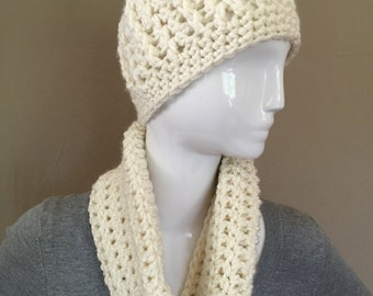 New Handmade Crochet Chunky Ivory Hat and Cowl set