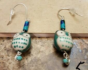 Adorable owl earrings (green)