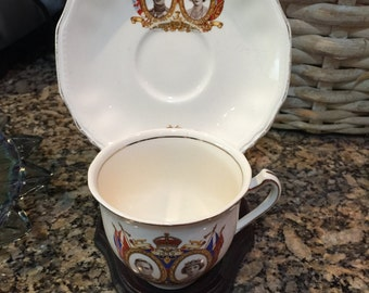 English/Canadian tea cup set with stand