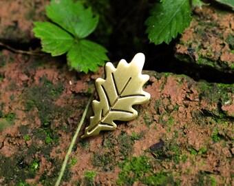 Autumn Leaf Enamel Lapel Pin Badge / Autumn Fall Inspired Soft Enamel Pin Antique Brass