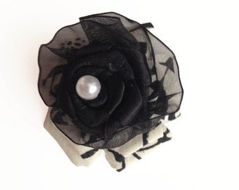 Black and White Pearl Bow