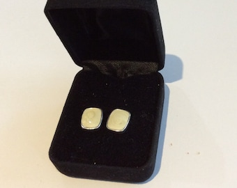 Vanilla Swirl Stud Earrings