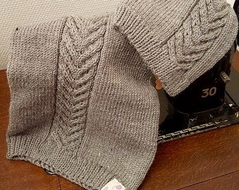 Hat & loop neck warmer set