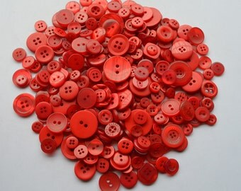 RED - Plastic Buttons / Assorted Buttons - 50g, 100g, 300g, 500g.