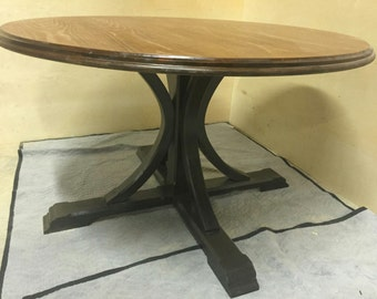 Round Splayed Pedestal Table