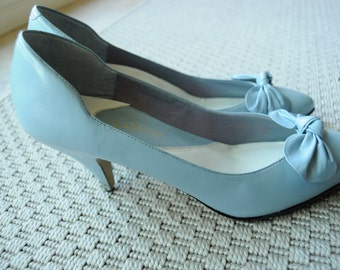 SALE Vintage 1980s Calico Sky Blue Kitten Heels