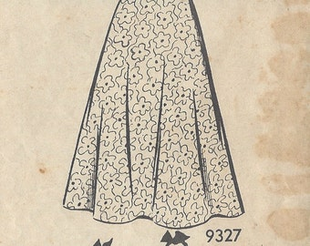 "1943 Vintage Sewing Pattern B36"" DRESS (R100) By 'Marian Martin' 9327"