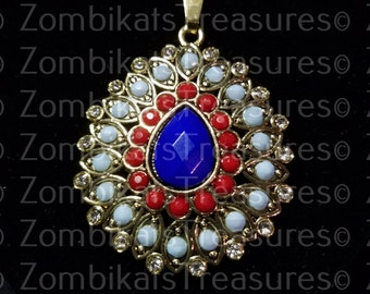 Golden Rhinestone Pendant Necklace