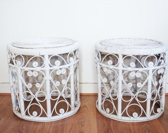 2 small tables emmanuelle VINTAGE style white rattan beds