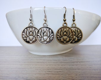 Earrings with lotus