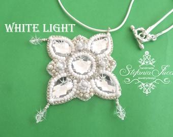 Kit + TUTORIALS DIY Italian-White Light-necklace