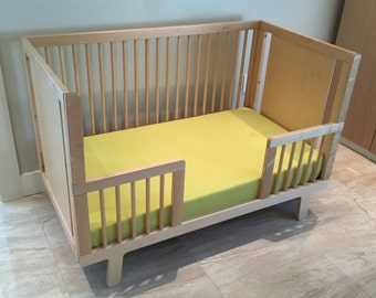 Sparrow Crib with Mattress and Toddle Bed Conversion Kit.