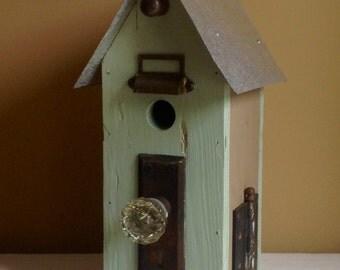 Lite green doorknob birdhouse