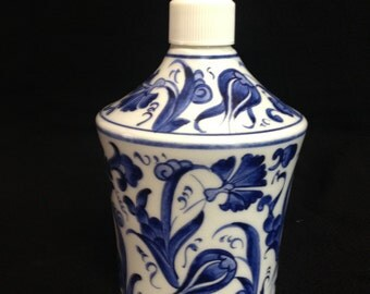 "7"" x 4"" (17cm x 10cm ) Hand made Ceramıc Blue Clove liquid soap holder"
