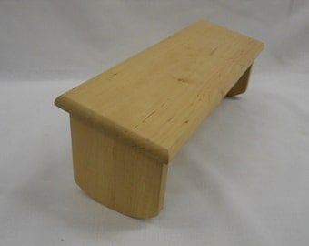 Meditation bench with round foot