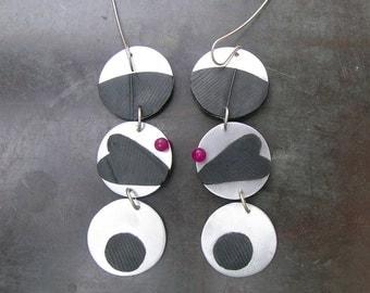 Hearts earrings - aluminium, fuchsia jade, rubber hearts
