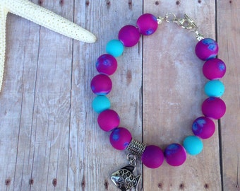 Purple, blue, beaded bracelet, fish charm, summer, beach, stackable bracelet, fish, gift, bracelet