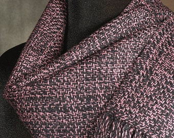 Handwoven merino wool scarf / winter scarf / pink and black