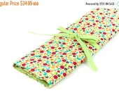Sale 25% OFF Large Knitting Needle Case Organizer - Cottage - 30 Green Pockets for All Sizes