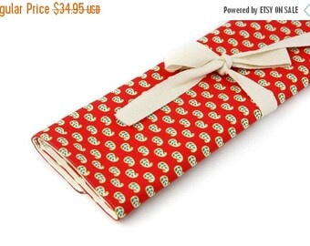 Sale 25% OFF Large Knitting Needle Case Organizer - Bulah Red - 30 ivory pockets for straights, double points and circulars