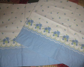 Vintage Pillowcases, Border Print, Forget Me Nots, Flowers, Floral, Blue, Green, White