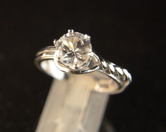 Bowline - White Topaz gemstone ring