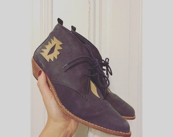 Vintage western aztec lavender suede ankle boots