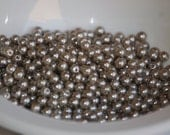4mm Glass GREY Pearl Coated Round Beads (100) RD30