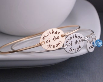 Mother of the Bride and Groom Jewelry SET, Personalized Bangle Bracelet, Mother of the Groom Gift, Wedding Jewelry