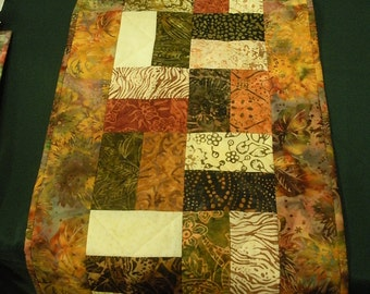 Batik tablerunner in shades of brown