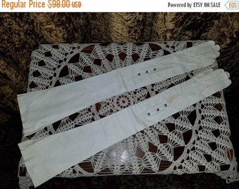 ON SALE Vintage NOS 1950's Kid Leather Opera Gloves Ivory 7, Extra Long 24 1/2 inches