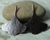 Hand hammered textured antiqued copper leaf drop dangle, 2 pcs (item ID XW03687ACK)