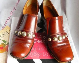 Vintage 60s Mod Pilgrim Pumps AMALFI Shoes ITALY Size 7 .5 Narrow  Eu 38 UK 5 Leather Metal Studs