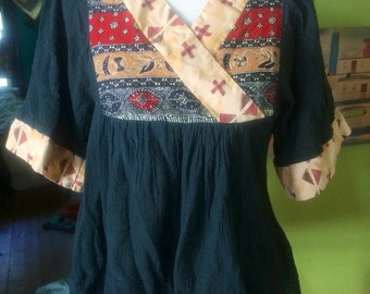 Vintage womens 1980's african abstract hippie/boho shirt. Size Small