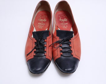 Size 8 8.5N // Vintage Coral Red and Black Leather 60's Fall Shoes// Made in Italy Lace up Coral Color Oxfords// 111