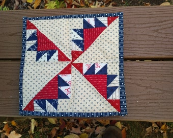 Feathered star quilt block pot holders - set of 3