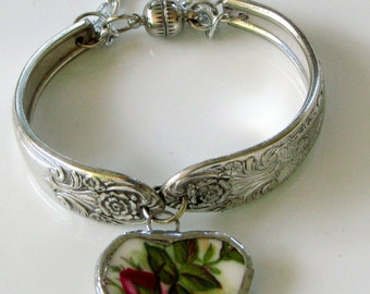 Broken China Bracelet - Spoon Bracelet - Vintage Spoon Bracelet -  Old Country Rose China Pattern - Vintage Charm Bracelet