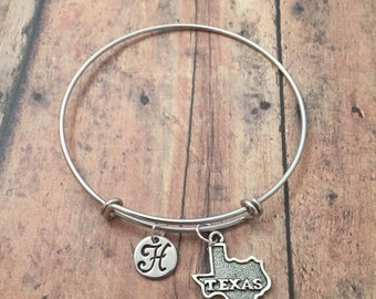 Texas initial bangle- Texas jewelry, state bracelet, Lone Star state jewelry, state of Texas bracelet, US state bracelet, gift for Texan