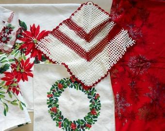 Vintage Retro Christmas Kitchen  Napkin Tablecloth Runner Hankie Cutter Lot