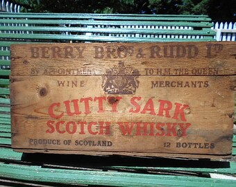 SALE Cutty Sark whiskey crate OHIO, wooden w/ bottle dividers - Scotch Whisky, nautical ship