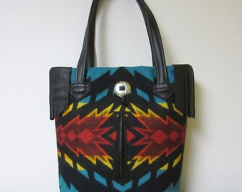 Fringed Bucket Bag Purse Tote Bag Wool Blanket Weight Black Leather 5 Pockets Native American Print