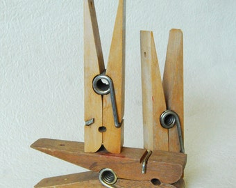Vintags Jumbo Wood Clothes Pin Clips